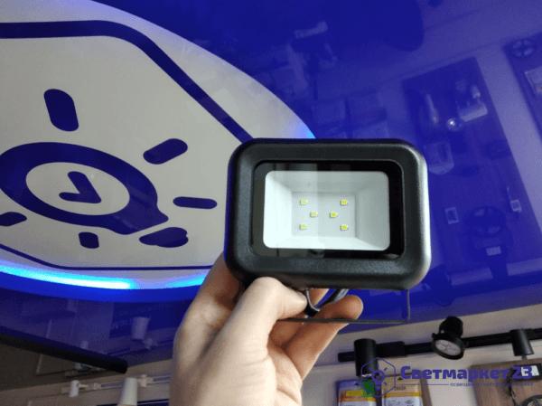 Светодиодный прожектор 10вт 6500К